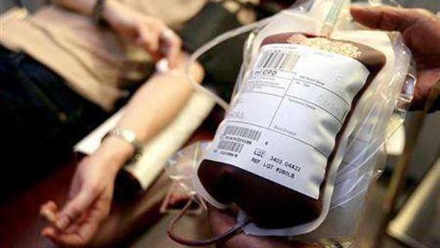 Una simpatizante de VOX de un pueblo de La Mancha se cambia a Podemos tras una transfusión de sangre