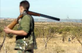 La junta retirará la licencia de armas a los cazadores que no hayan matado alguna liebre ocualquierbicho en 3 semanas
