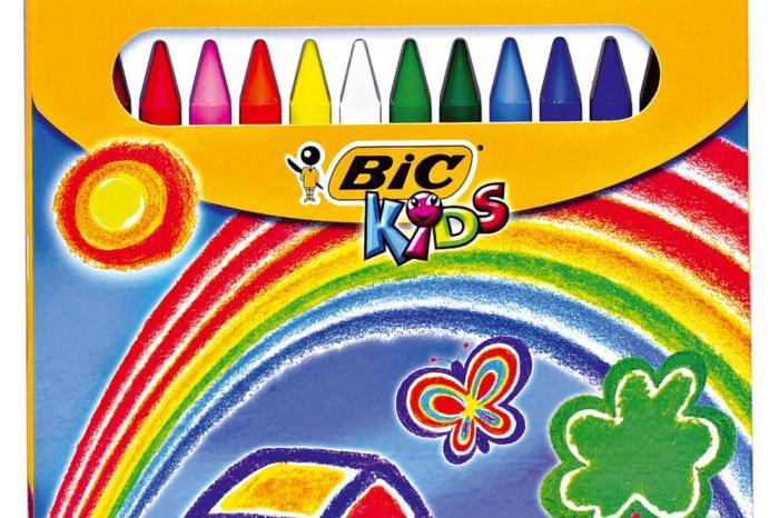 VOX CLM quiere prohibir los plastidecor en todos los colegios de la región para evitar que los niños dibujen arco iris.