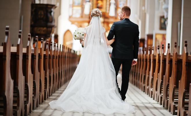 """Los curas manchegos casarán a los no creyentes que prefieran la iglesia """"porque es más bonito"""""""