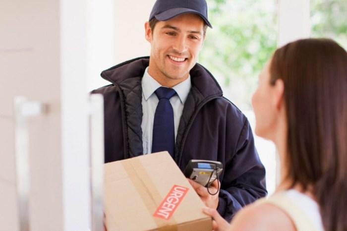 """La frase """"Tu paquete está en camino"""" es la frase preferida de las manchegas, por encima de """"Te adoro"""""""