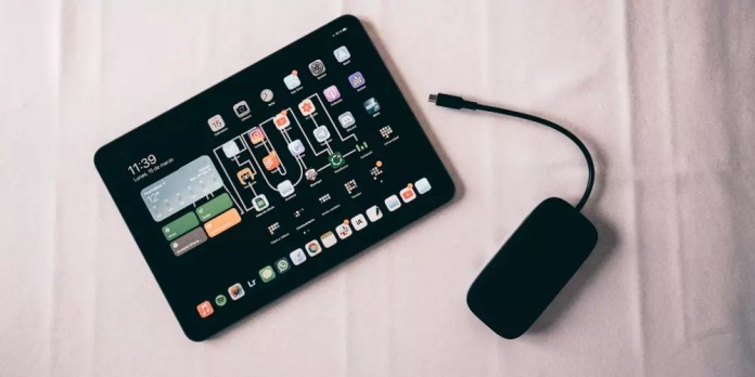USB-C + iPad hub
