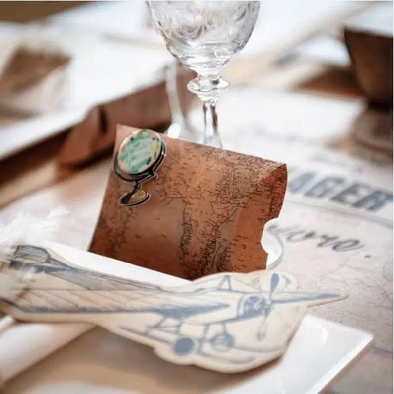 cadeau invités mariage thème voyages