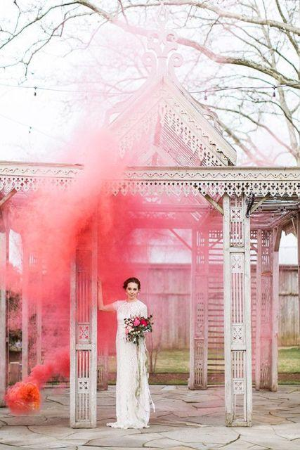 21-awesome-smoke-bomb-wedding-ideas-weddingomania-699-int