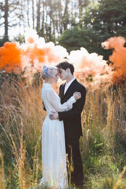 21-awesome-smoke-bomb-wedding-ideas-weddingomania-817-int