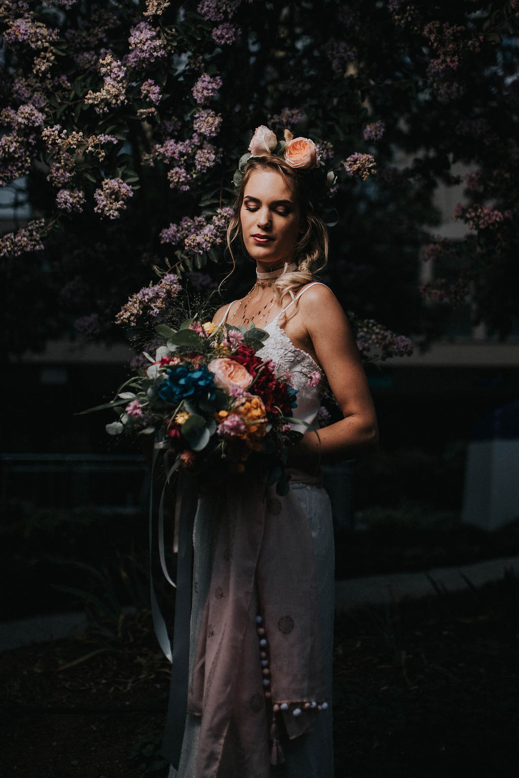 2_20_boheme_couple_4_looks_sidneyonthemoon_photographe_chrisvonmartial_robe_mariee_costume_paris_wedding_web