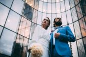 3_3_chic_urbain_couple_4_looks_sidneyonthemoon_photographe_chrisvonmartial_robe_mariee_costume_paris_wedding_web