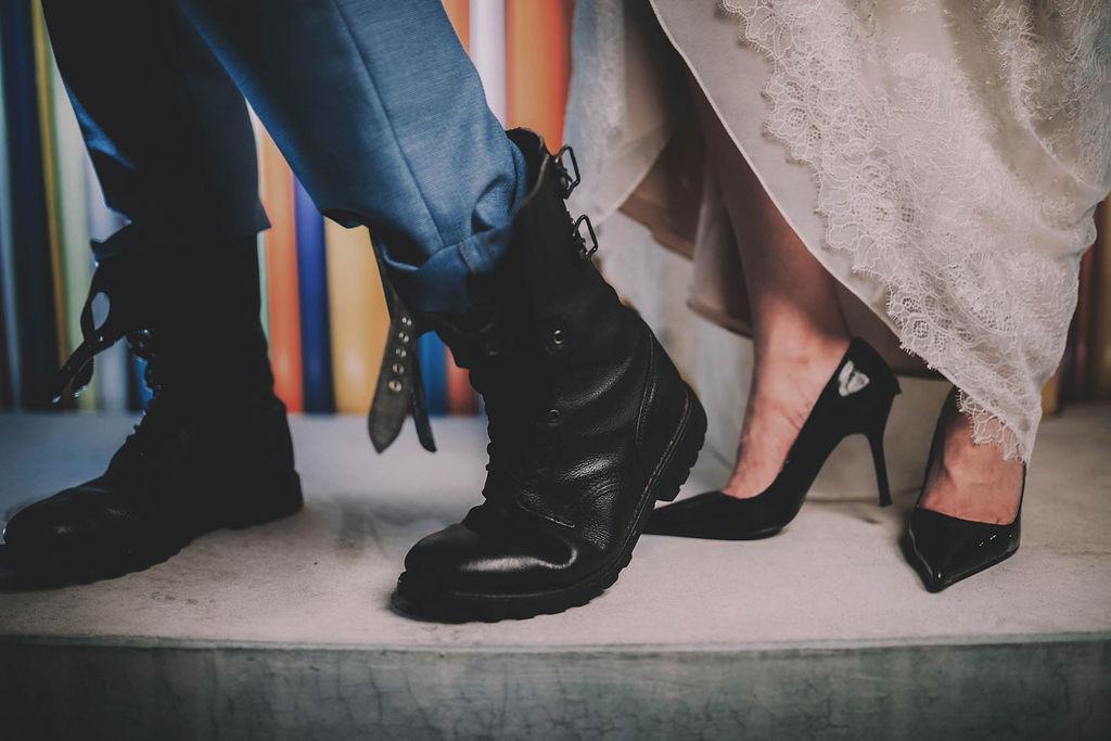 4_17_rock_couple_4_looks_sidneyonthemoon_photographe_chrisvonmartial_robe_mariee_costume_paris_wedding_web