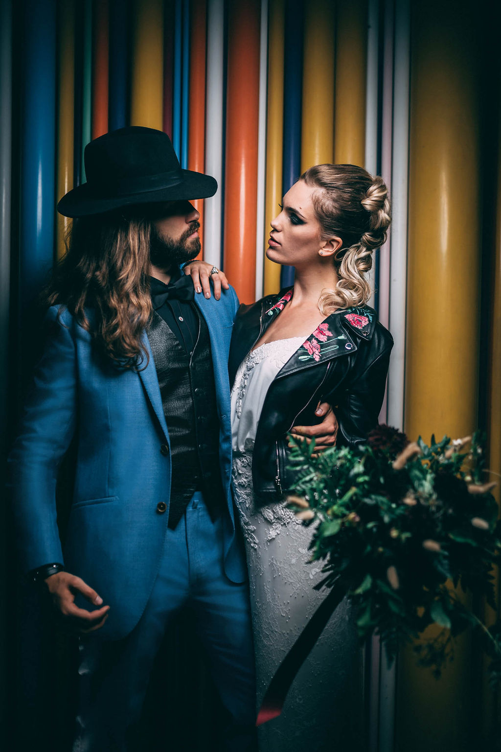 4_4_rock_couple_4_looks_sidneyonthemoon_photographe_chrisvonmartial_robe_mariee_costume_paris_wedding_web.jpg
