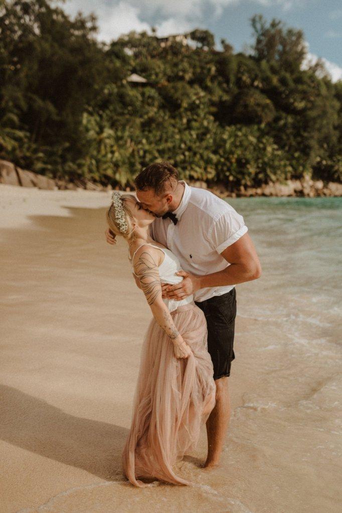 Elopement Seychelles à la plage