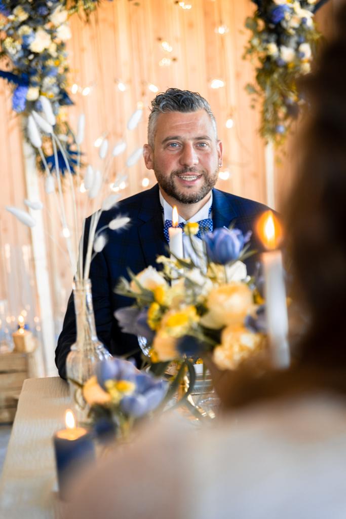 Mariage bleu et jaune