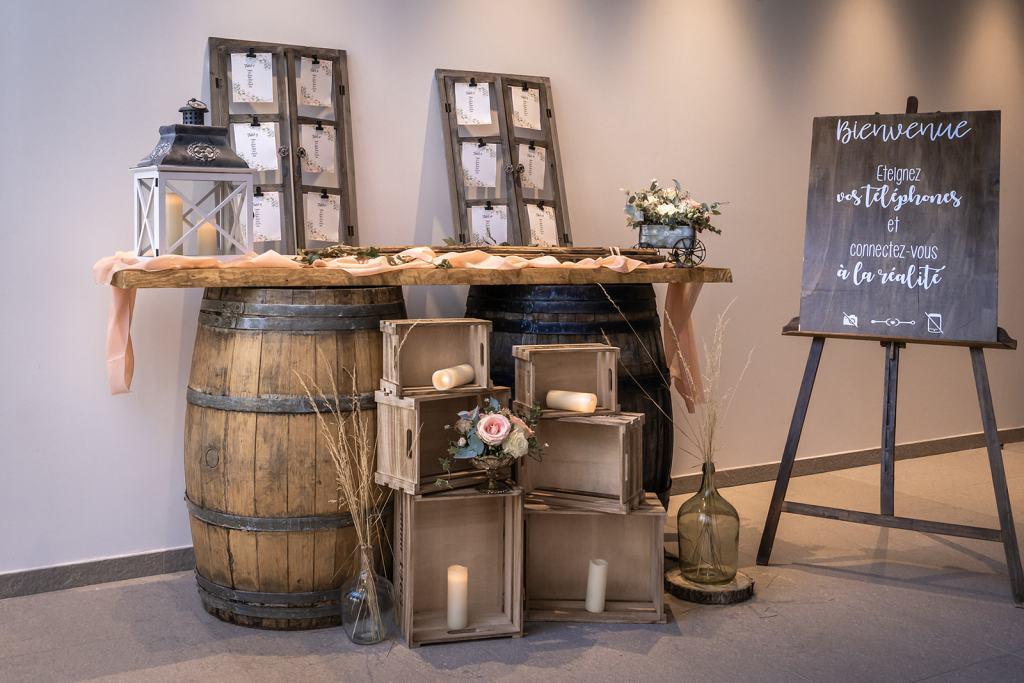 espace urne et livre d'or en bois