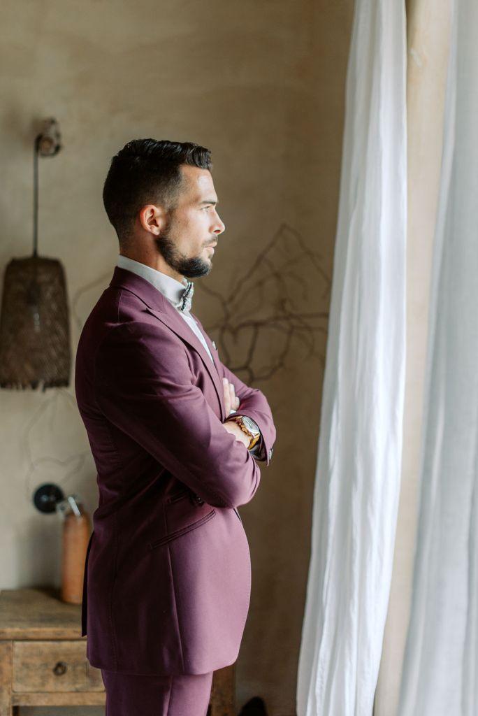 costume de mariage pourpre violet