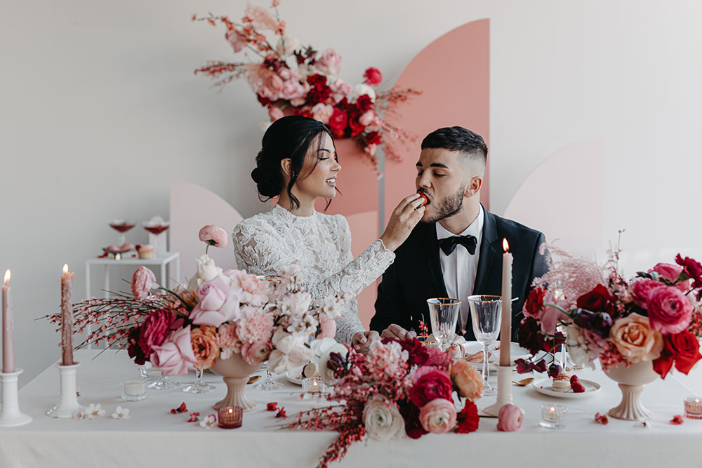 Couple mariage rouge blanc et rose