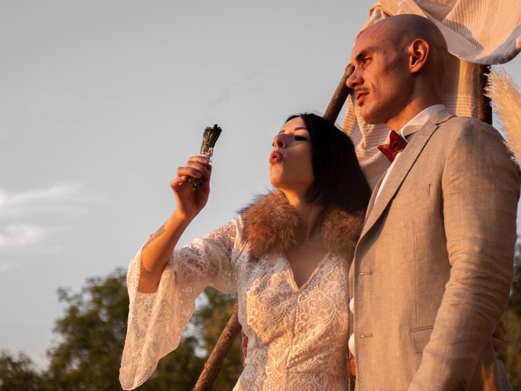 robe de mariee Mariage alternatif en automne