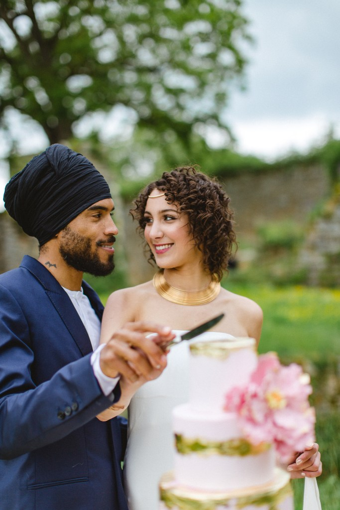 Wedding Cake rose, blanc et doré