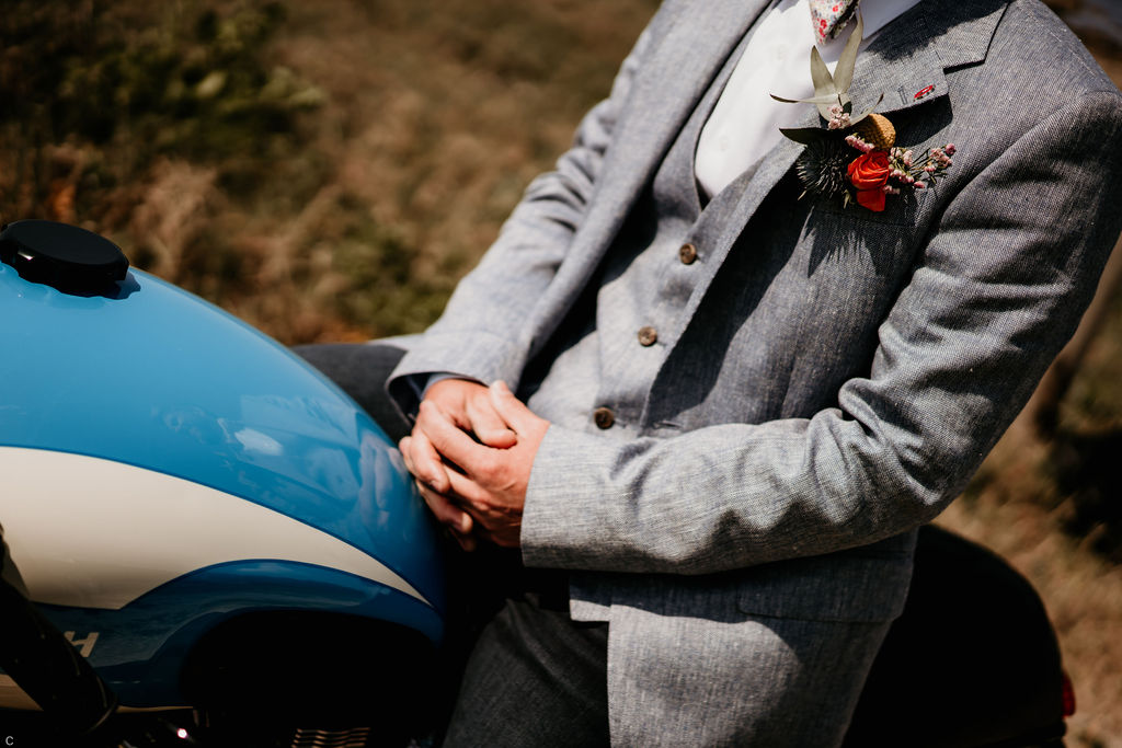Accessoires boutonnières homme mariage