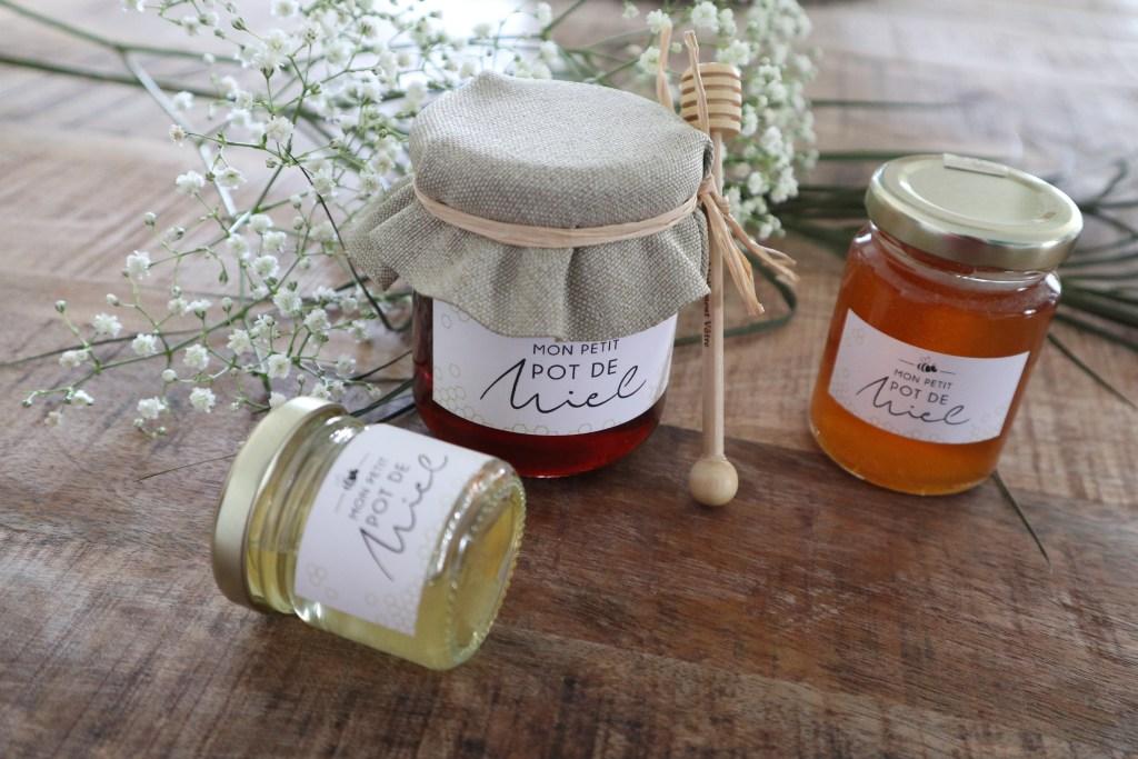 Cadeaux personnalisables invités petits pots de miel