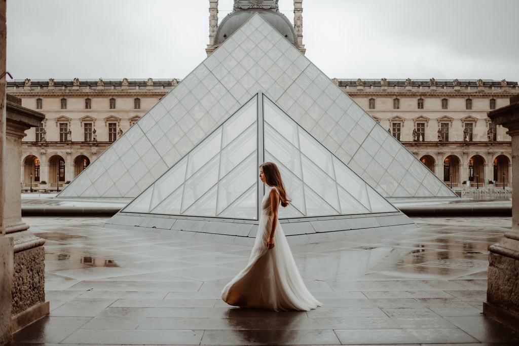 robe de mariée au Louvre