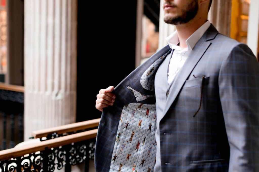 Atelier Coqlico costume sur-mesure bleu gris