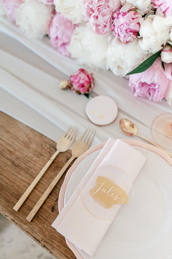 décoration de table mariage rose pale et blanche