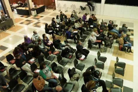 El públic roman atent a la xerrada de la TIAF