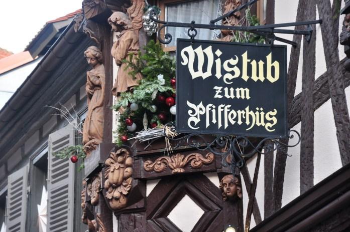Le marché de Noël médiéval de Ribeauvillé - enseigne du Winstub