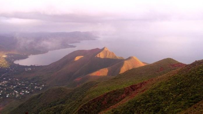 Nouvelle Calédonie - Chaînes de montagnes autour du Mont Dore
