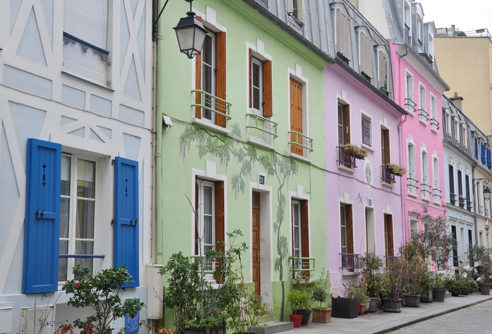 Paris - façades de la rue Crémieux