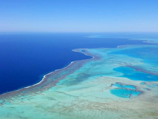 Nouvelle Calédonie - le lagon vu du ciel