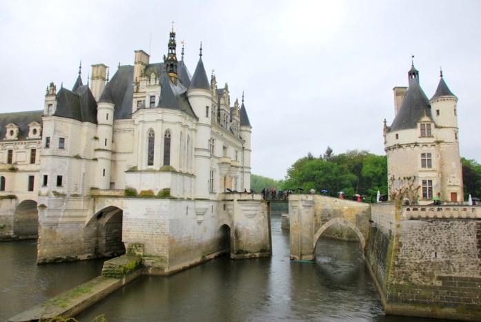 Circuit des châteaux de la Loire - pont-levis de Chenonceau