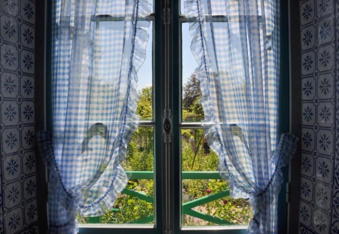 Une journée autour de Giverny - rideaux de la maison Monet