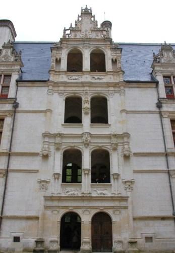 Château d'Azay-le-Rideau - la façade et l'escalier d'honneur