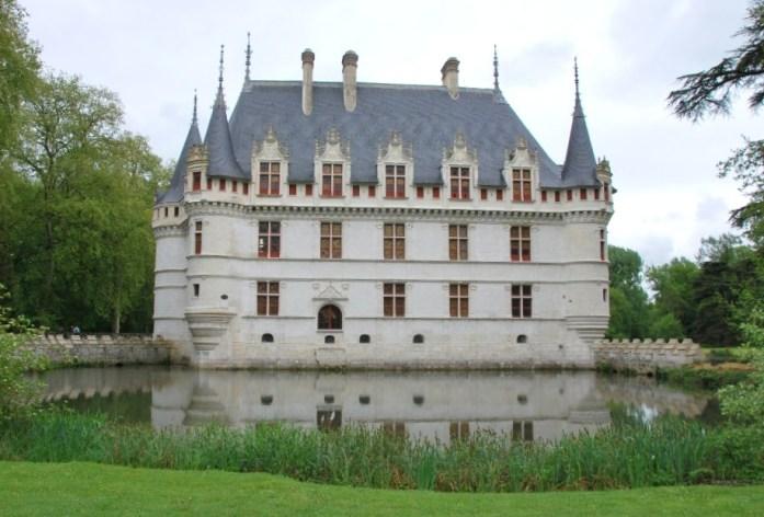 Château d'Azay-le-Rideau - le miroir d'eau