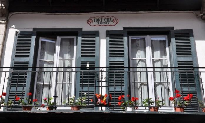 La Marinière en Voyage - façades basques à Saint-Jean-de-Luz