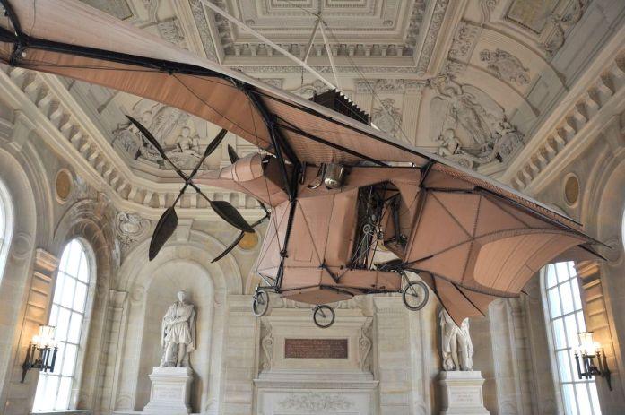 Musées parisiens insolites - avion du Musée des Arts et Métiers
