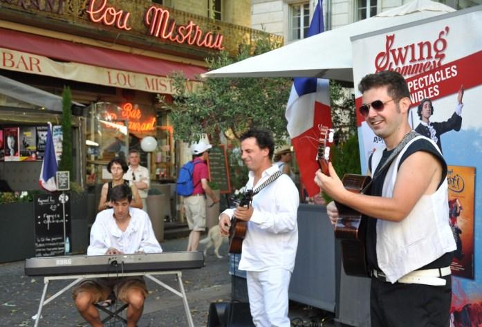 Visiter Avignon en une journée - animation pendant le festival d'Avignon