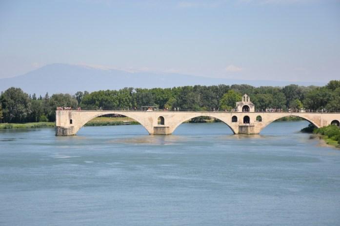 Visiter Avignon en une journée - le pont d'Avignon