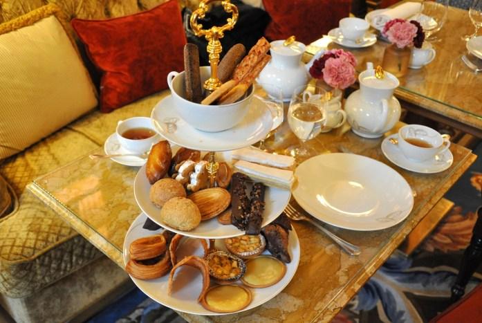 Tea Time à la française au Ritz Paris