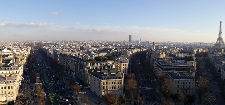 Panorama sur la Tour Eiffel depuis l'Arc de Triomphe