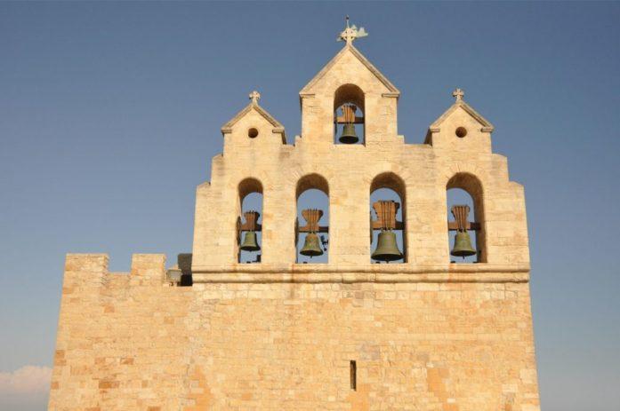Camargue : église des Saintes-Maries-de-la-Mer