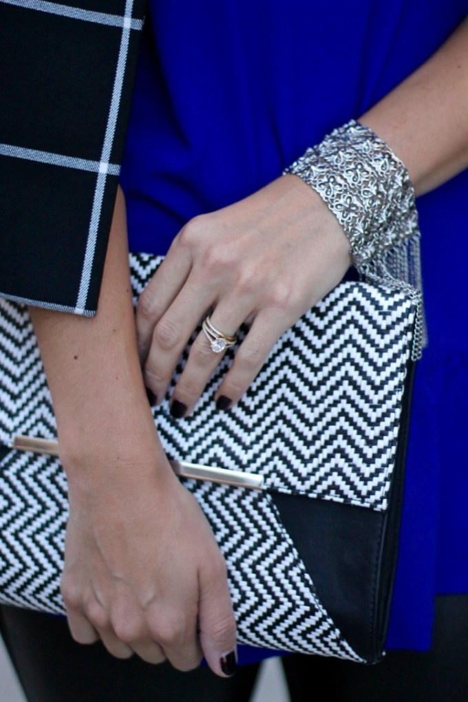 Express Zigzag clutch