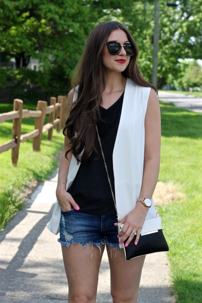 La Mariposa Blog Summer Style: Sleeveless White Blazer with Distressed Denim Shorts