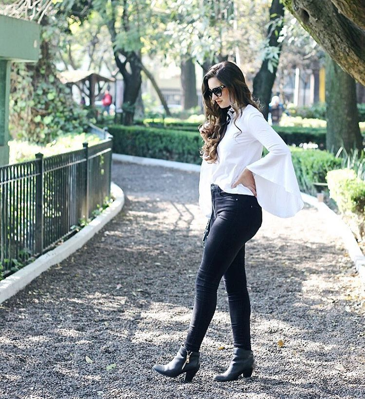 This look is now on wwwlamariposablogcom  Or shop ithellip