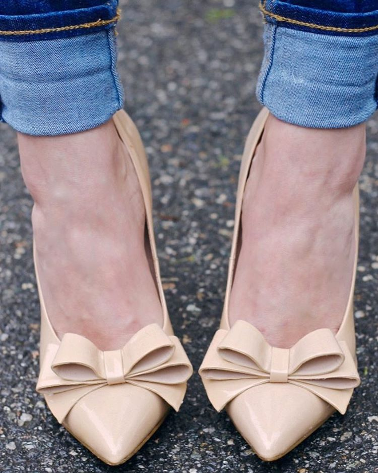 Bows on my toes for a night out of belatedhellip