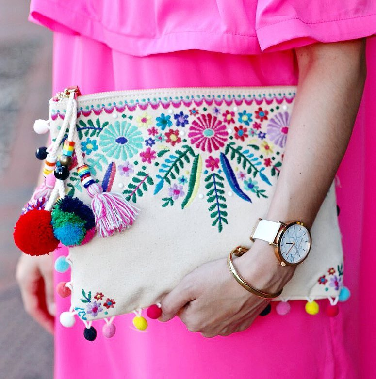 Gimme all the pom poms tassels amp flowers!  Lahellip