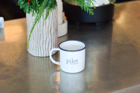 piloteast4-560