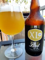 XL Brut IPA de Brasseurs sur Demande et Brasserie Alpha