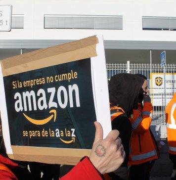 Piquete de la plantilla de Amazon en Madrid durante la huelga. Foto de @pacolavadog