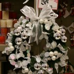 Step By Step On Making A Christmas Door Wreath Lamberdebie S Blog